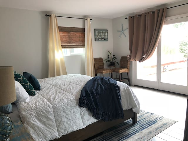 ☀️PRIVATE entry, KING bed, MASTER suite ☕️
