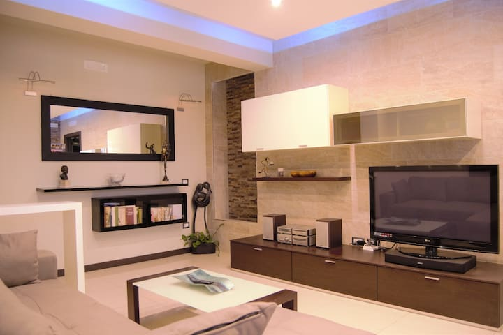 Dea,luxurious apartment