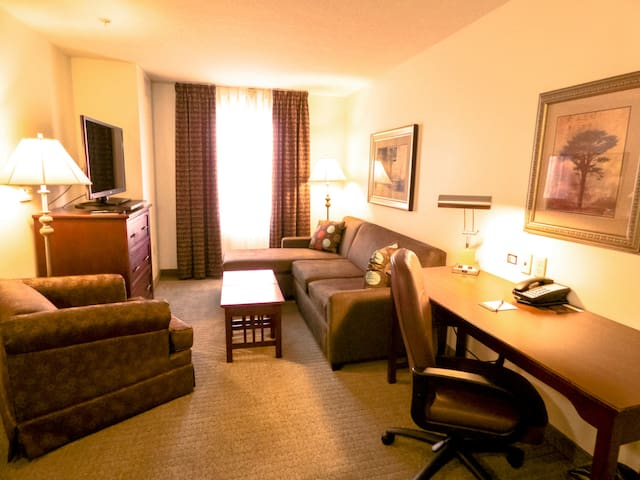 Mobility Accessible Suite. FREE Breakfast Buffet. Indoor Pool and Hot Tub!