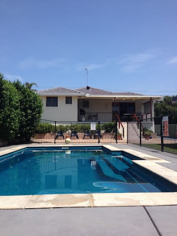 Family Beach House (400m to Blue Bay Beach) - Blue Bay - Casa