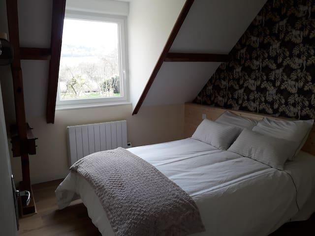 Chambre lit 160X200 à la lumière du jour
