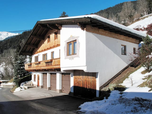 Holiday apartment with balcony and most amazing mountain views