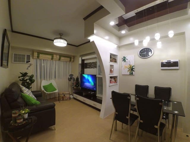 Modern 1-BR condo at Avida Towers