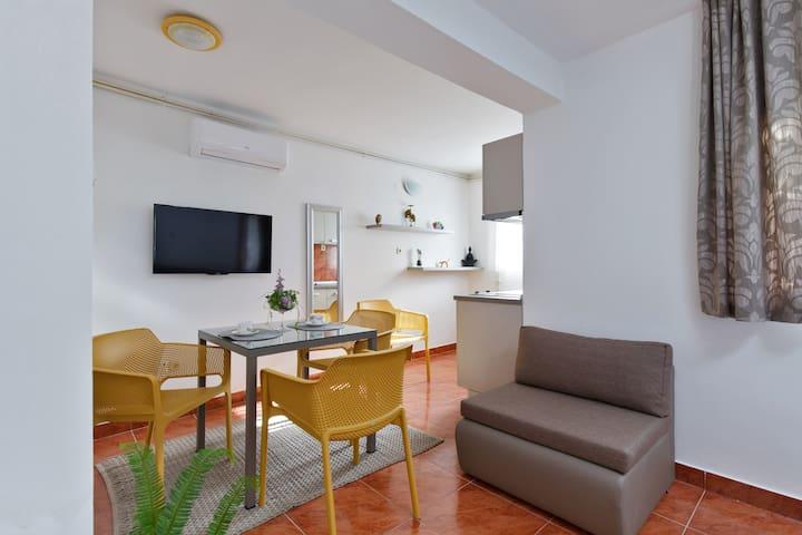 Apartment Ita - Kaštel Stari