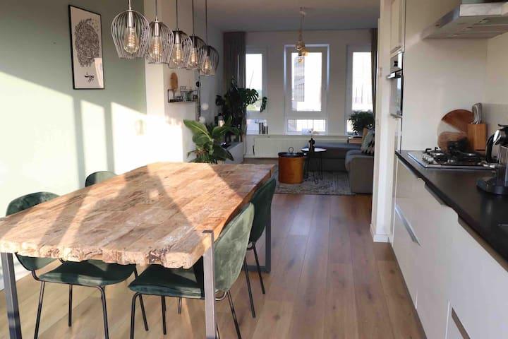 Centraal gelegen gerenoveerd appartement
