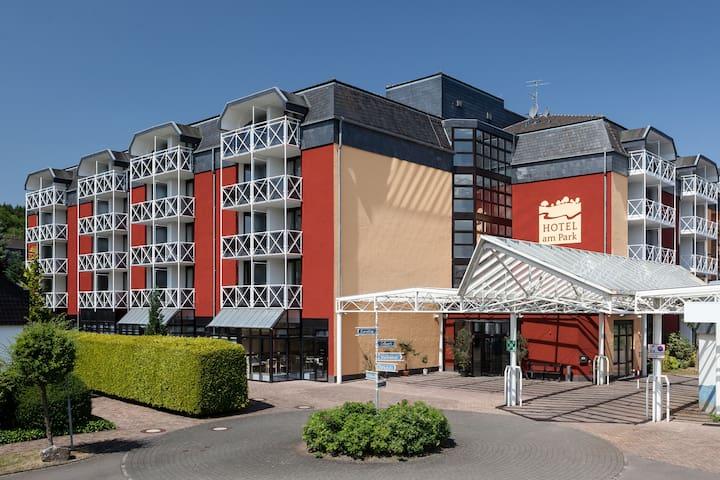 Eifel entdecken check ein! 38 qm große DZ warten - Stadtkyll - Appartamento con trattamento alberghiero