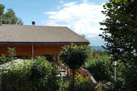 Panorama splendide sur les Alpes - Arbaz