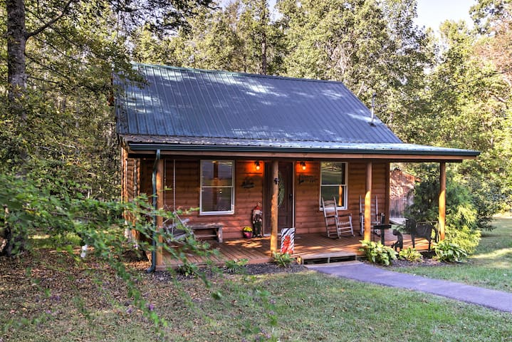 NEW! Cosby 2BR Log Cabin - Forested w/ Fire Pit!