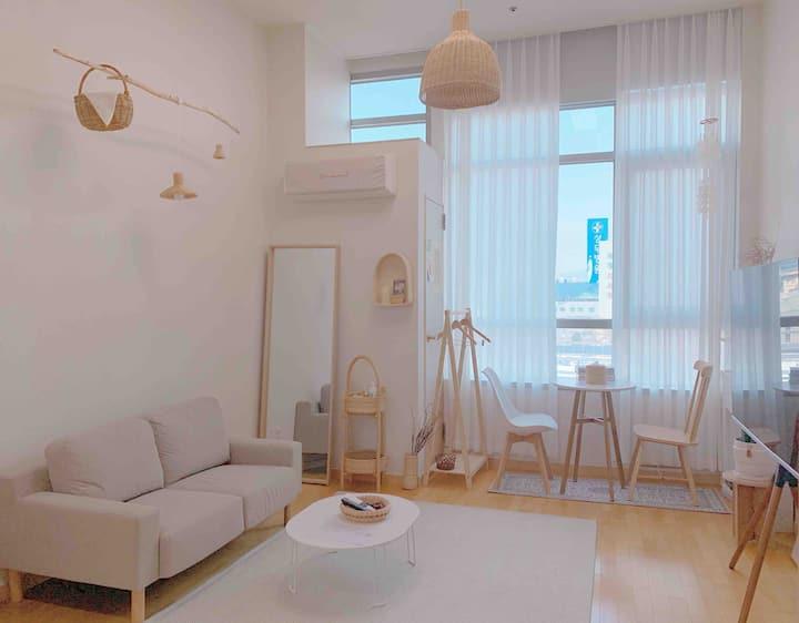 "chipyeong-dong ""신규오픈"" 시티뷰,복층 [warmplace] 넷플/빔프로젝터"