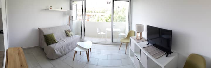 Aix - Renovated studio with parking