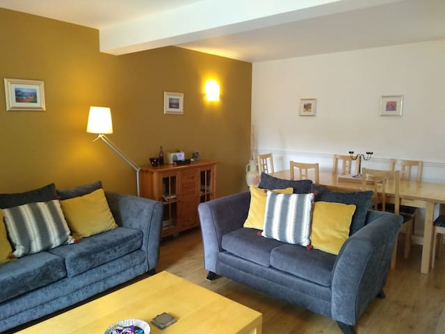 Shurig Cottage, with family games room access