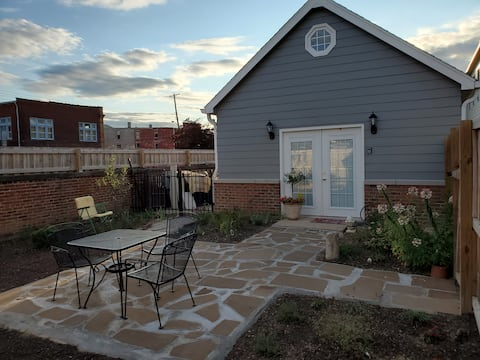 Mulberry Cottage In The Heart Of Downtown Madison