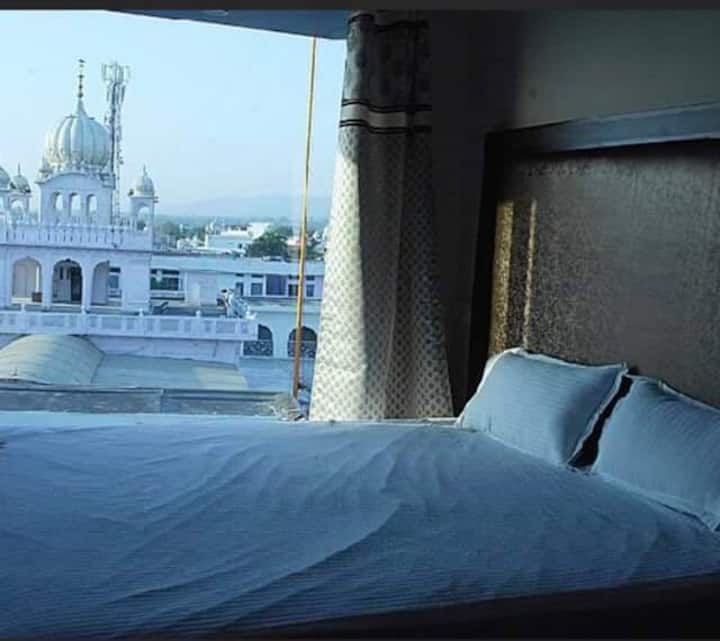 Rooms available to see main gurdwara from the room