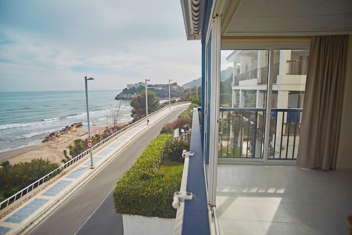 ApartUP Acapulco Beachfront Views. PK + Seaviews