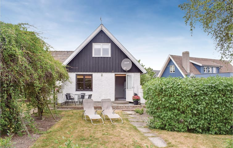 Holiday cottage with 2 bedrooms on 40m² in Abbekås