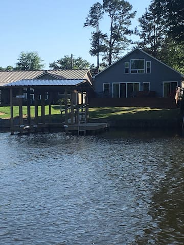 Newly remodeled home on lake Catherine