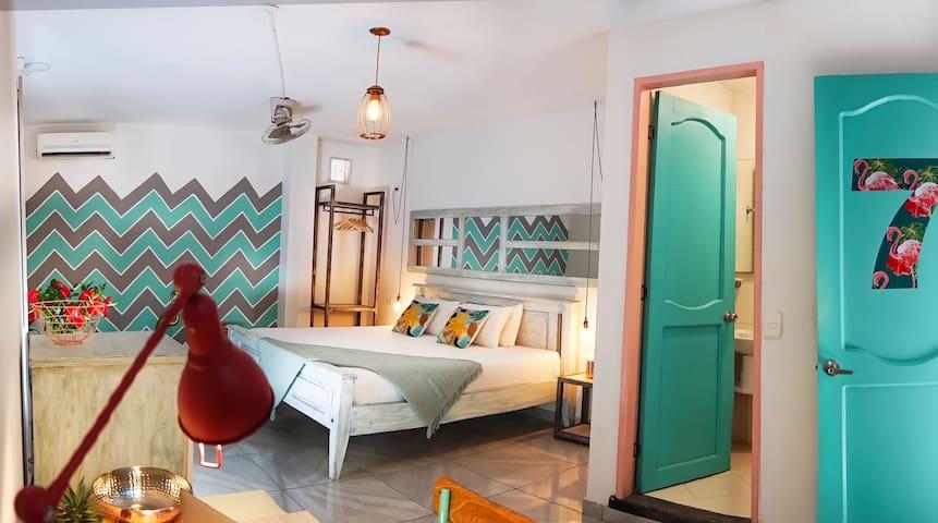 Flamingo Hostel & Coworking King Room