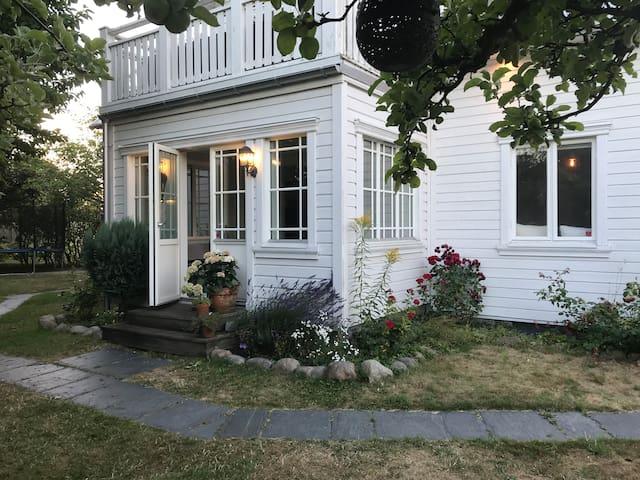Charmig nyrenoverad villa i centrala Halmstad