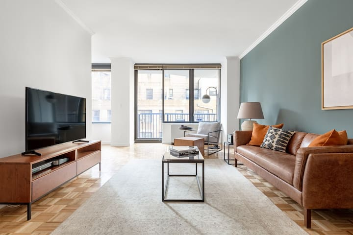 Airy Sutton Place 1BR w/ Gym, Pool, DM, nr. Central Park, by Blueground