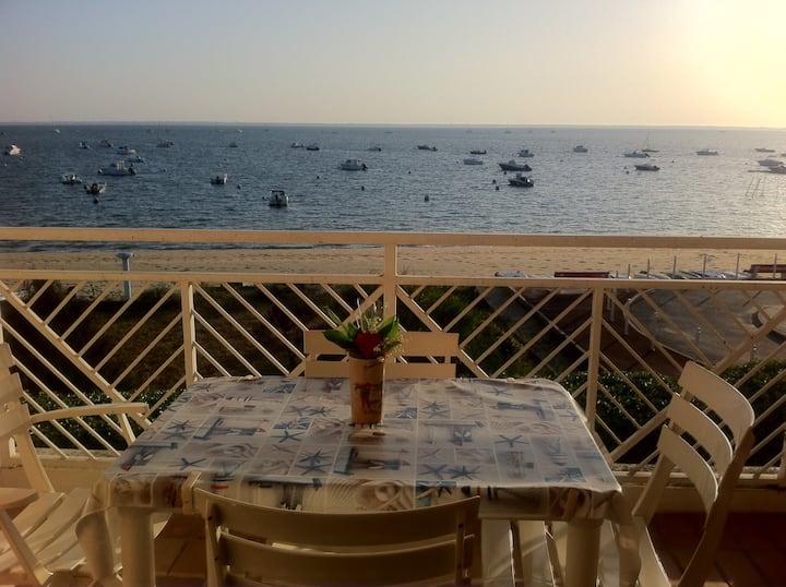 T2 vue sur mer accès direct plage
