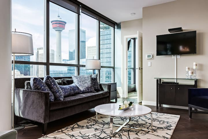 ✪Classy Central Condo With View Of Calgary Tower✪