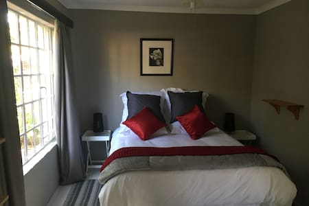 Hartbeeshuisie Self-Catering Cottage