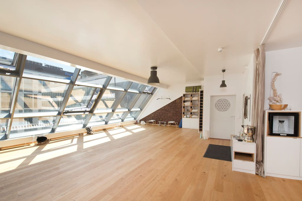 cozy loft with nice skylineview ffm lofts zur miete in frankfurt am main he deutschland. Black Bedroom Furniture Sets. Home Design Ideas