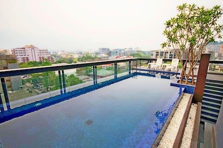 Great Location/Nice Pool/Fresh Roasted Coffee - Su Thep - Wohnung