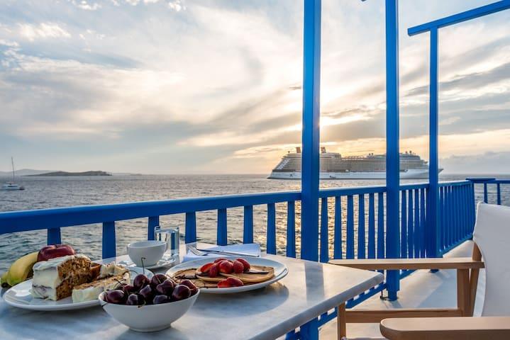 Bluetopia Suites - Mikonos - Bed & Breakfast