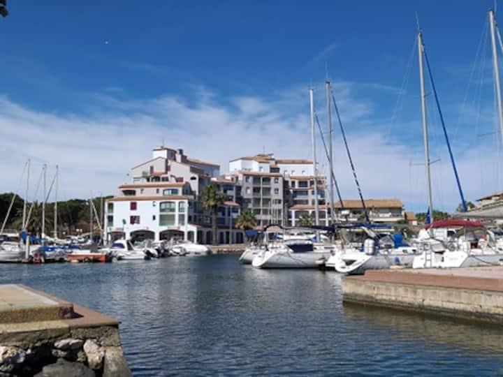 appartement 2 pièces au port  de Canet