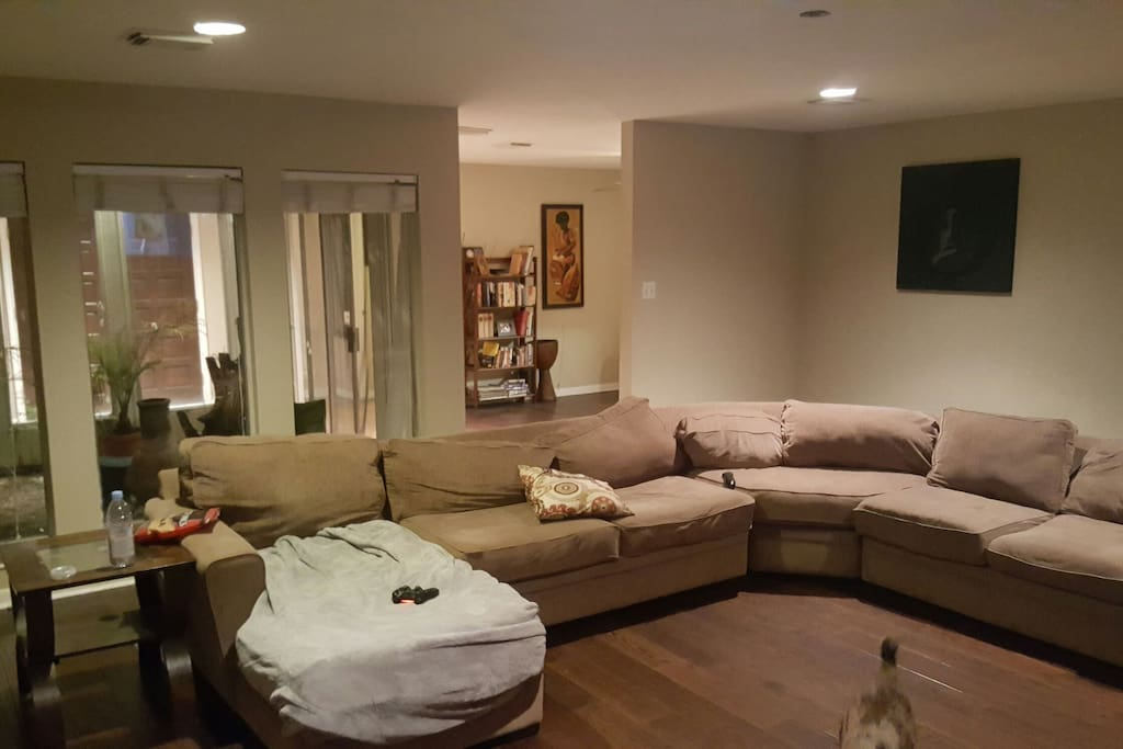 """Large 6 person couch that sits in front +60"""" TV"""