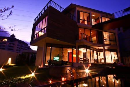 Luxury 3+ Bedroom Golf Pool Villa in Phuket - Kathu - Villa