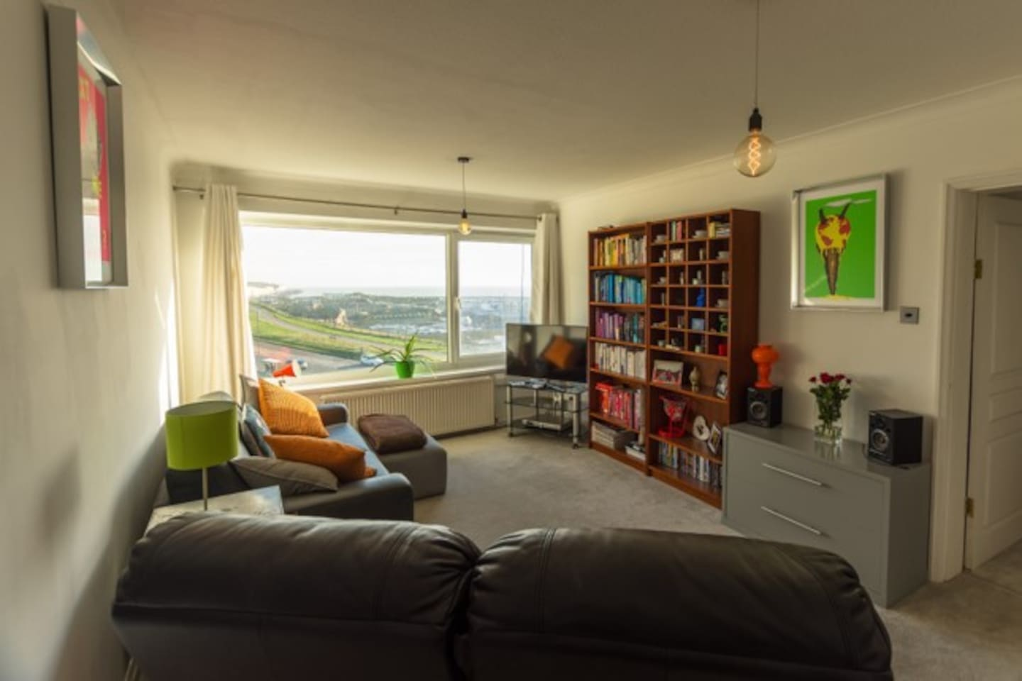Seafront Flat With Glorious Views