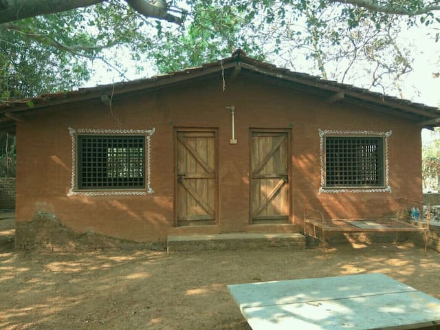 Private room in Eco cottage in Alibaug-NearMandawa - Alibag
