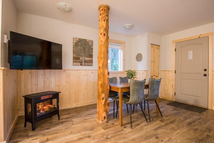 Modern 1 bedroom Cabin suite #5