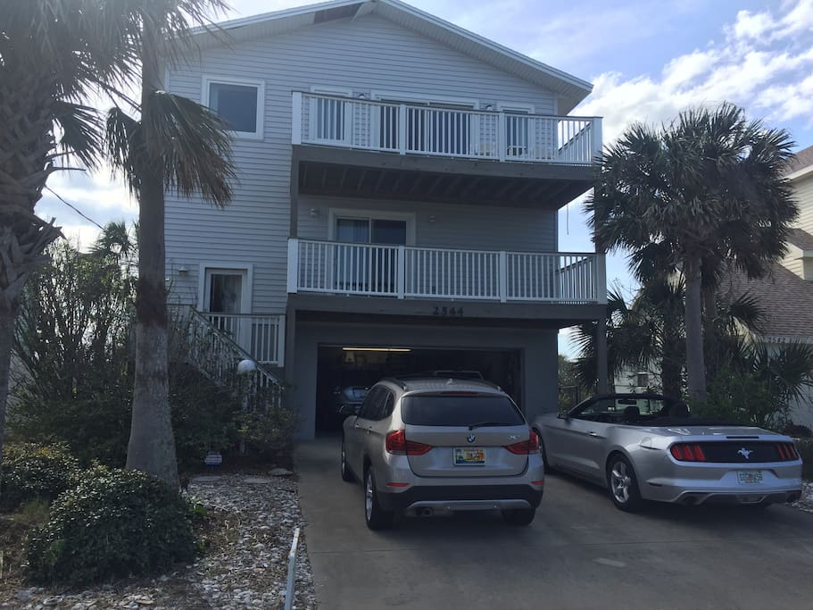 Three story home one block from beach, two ocean side balconies