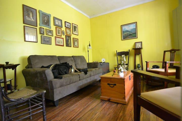 Farm House - Cartago - Cabin