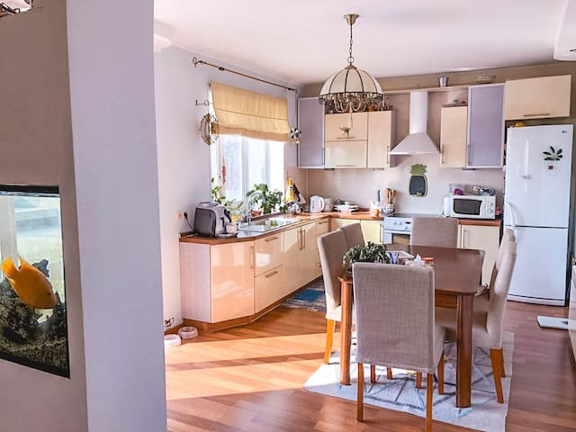 Kitchen (guests may use coffeemaker + kettle + microwave)