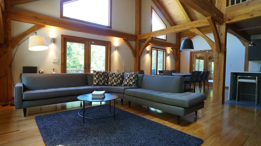 Spacious modern Catskill retreat - Olivebridge