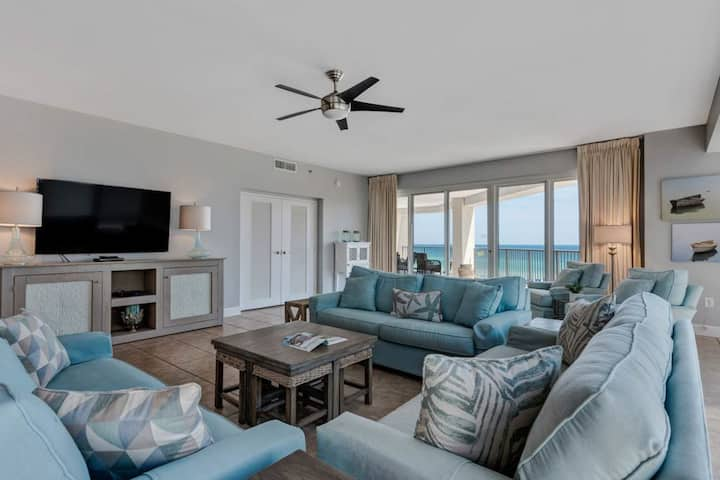 Family-friendly, beachfront retreat w/shared hot tub, pools, and tennis courts!