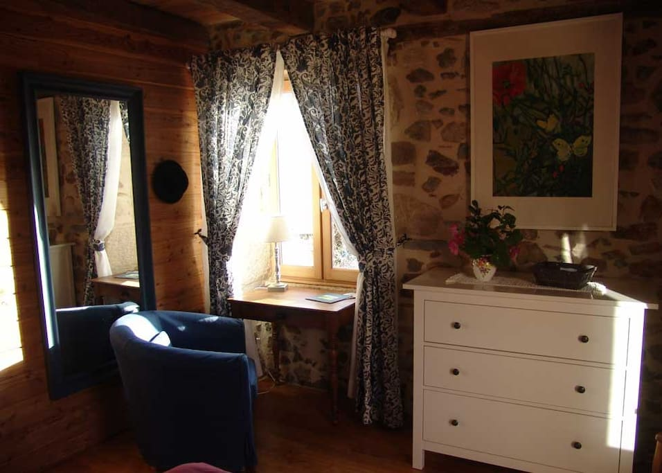Chambre champ tre houses for rent in saint sylvain for Chambre champetre