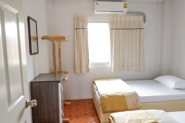 2 Beds-Dormitory room