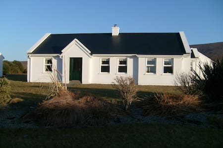 LAKE VIEW COTTAGE ACHILL ISLAND