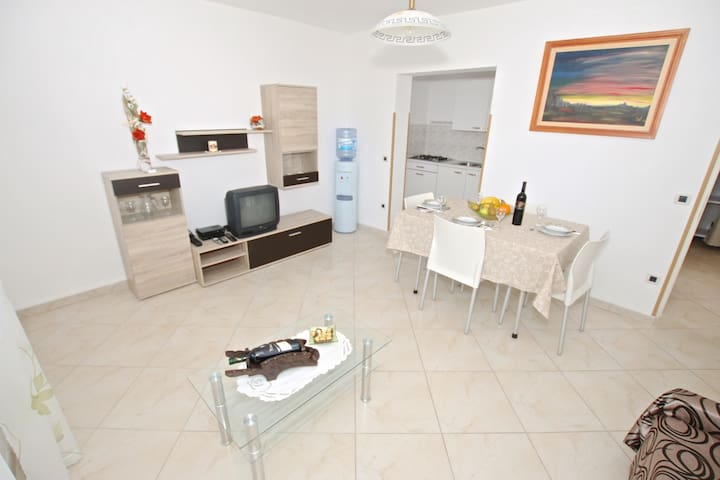 Apartments Lijana / Two bedrooms A1 - Visnjan - Appartement