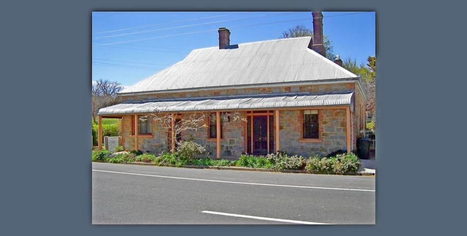 Historic Rose Cottage + Feasting Room, Rm 1 of 3