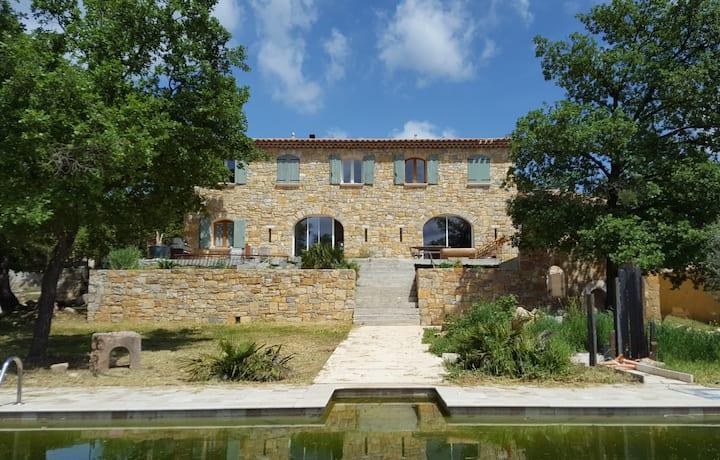 Mas Provençal, 2 chambres pour 6 personnes