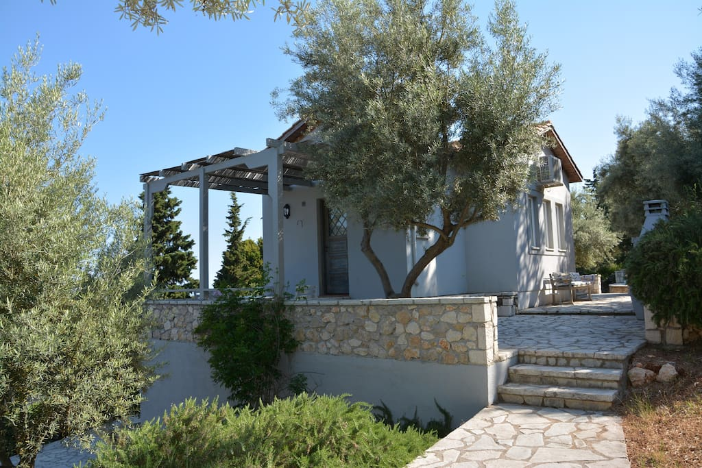 Your villa is fully equipped to provide you with everything that you might wish for a pleasant stay...