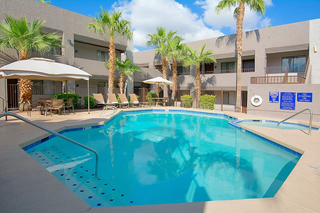 Hotel tempe phoenix airport bed breakfasts for rent in for Tempe swimming pool