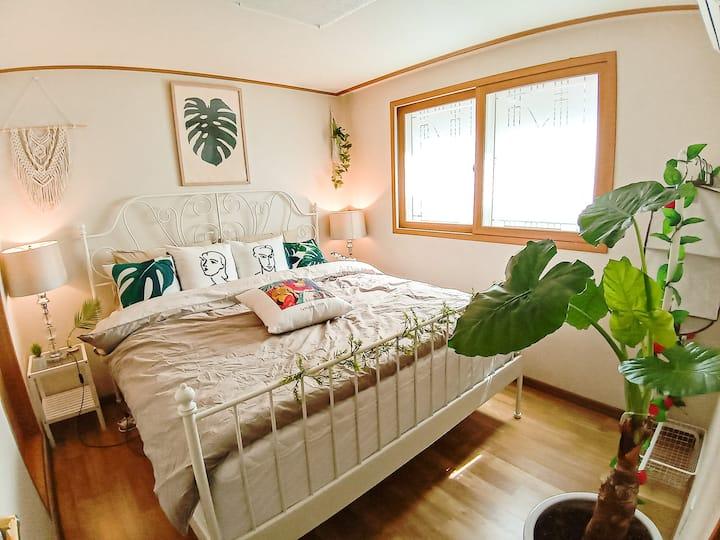 COOPIE HOUSE #4 (1 KING+1 QUEEN+SOFA BED+NETFLIX)