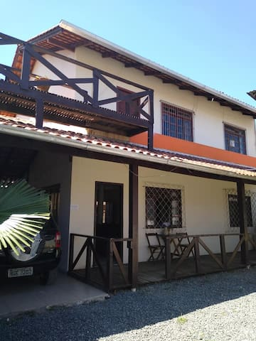 Casa Super Confortável  prox Beto Carrero e Praia